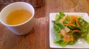 ダブルトールカフェ  サラダ 沙拉