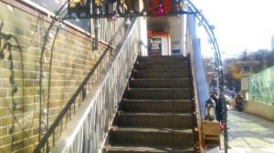ダブルトールカフェ  階段