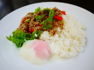 ロイクラトンリゾート ガパオライス 泰式零陵香盖饭