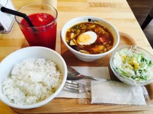 ベリーベリースープ 鶏肉と1日分野菜の北海道スープカレー 蔬菜鸡肉咖喱