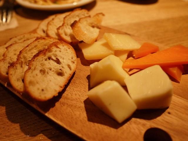 原宿 表参道 よなよなビアワークス チーズ盛り合わせ 芝士拼盘