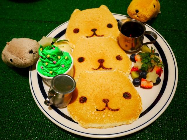 原宿 表参道 カフェ カピバラさん パンケーキ~特製クリスマスバージョン 圣诞特制松饼