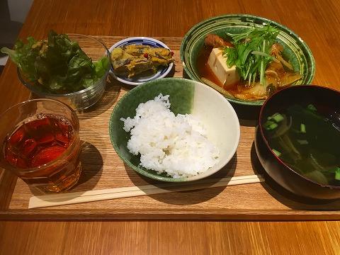 リラックス食堂(Relax 食堂) 日替わり定食(鶏と野菜のチゲ)