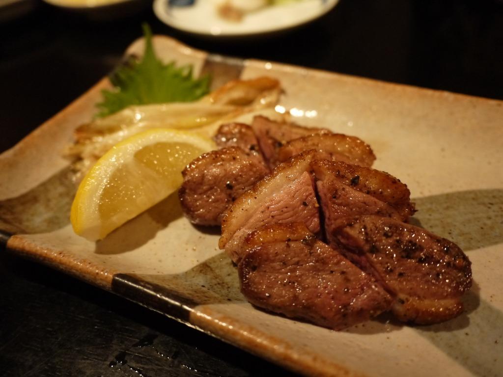 厚切り鴨ロース肉の炙り焼き