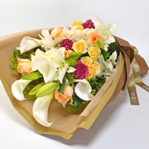 花束 画像出典:http://www.aoyamahanamohonten.jp